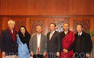 不丹前总理肯赞拜访宜兰县长林聪贤。(摄影:谢月琴/大纪元)