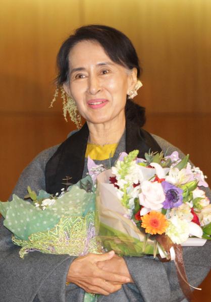 緬甸全國民主聯盟領導人昂山素姬1月28日抵達韓國,在為期五天的訪問期間,她將出席特奧會的開幕式,並參加一系列活動。(Chung Sung-Jun/Getty Images)