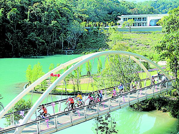 向山自行车道永结同心桥。(图:日管处提供)