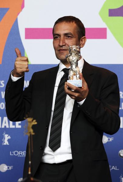 纳齐夫•穆吉克(Nazif Mujic)获得最佳男演员奖。(Dominik Bindl/Getty Images)
