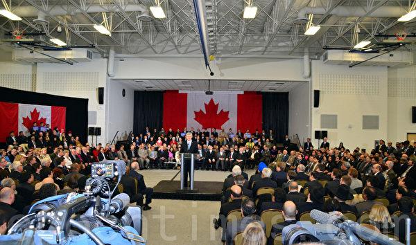 2月19日,数百来自不同信仰的群体代表出席了发布会,加拿大总理哈珀宣布成立宗教自由办公室,负责在全世界推广宗教及信仰自由。(摄影:周行/大纪元)