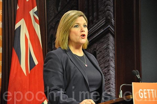 新民主党领袖霍华思(Andrea Horwath)表示,施政报告含糊不清,但表明了一些承诺。(摄影:高云林/大纪元)