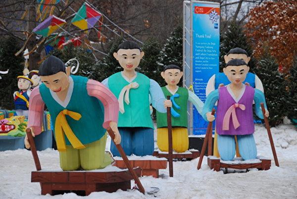 加拿大首都渥太华的三十五届冰雪节的多元文化展示吸引了许多观众。(摄影:任侨生/大纪元)