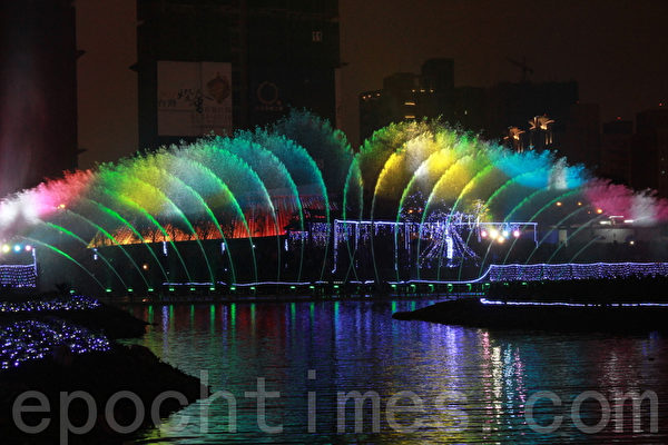 幻影水舞灯区,科技结合光、影、水的律动,舞出美的视觉飨宴(摄影:许享富/大纪元)
