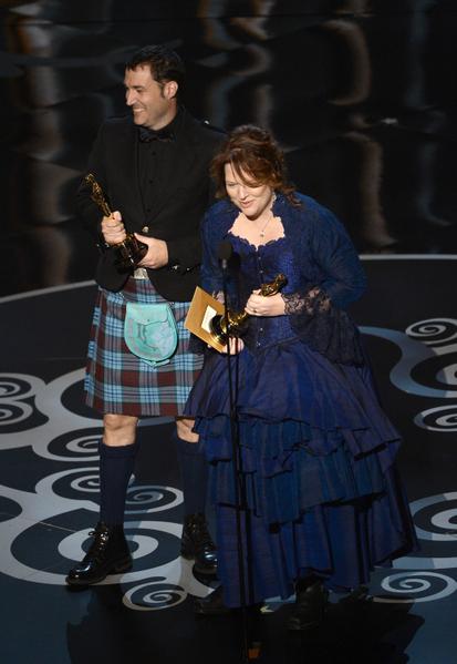 由Brenda Chapman和Mark Andrews联合导演的《勇敢传说》荣获最佳动画长片奖。(图/Kevin Winter/Getty Images)