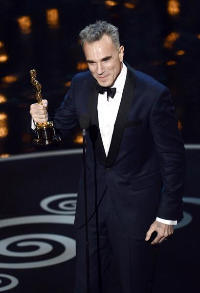丹尼尔·戴-刘易斯凭借影片《林肯》中对这位伟大总统的形神兼备的刻画,荣获本届奥斯卡的最佳男主角奖。(图/Kevin Winter/Getty Images)
