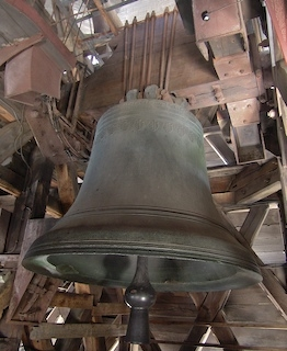 第九座最大的老鍾「Bourdon Emmanuel」低音大鐘已有300年曆史,重13噸,鍾心錘重500公斤,是全歐洲最美的鐘聲之一。(notredamedeparis.fr提供)