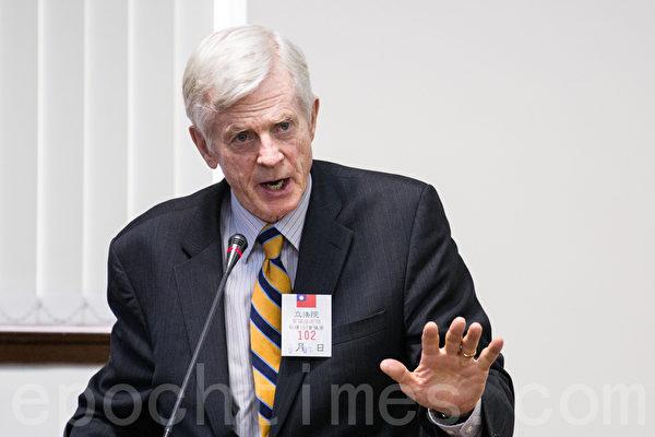 加拿大前亚太事务司司长大卫‧乔高(David Kilgour)。(摄影:陈柏州 /大纪元)