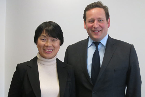 中华民国文化部长龙应台27日(当地时间)与英国文化 媒体暨体育部长维则(Ed Vaizey)会面,畅谈推动文 化工作的经验与心得。(文化部提供)