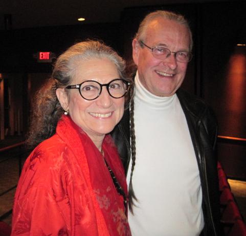 剧院捐赠人Richardson夫妇观看了3月6日 神韵国际艺术团在新墨西哥州阿尔伯克基的演出,抑制不住激动的心情盛赞神韵,并表示已经在想着如何让神韵再来阿城。(摄影:田磊/大纪元)