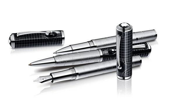 亚伯特‧爱因斯坦限量书写工具─限量款3000钢笔,全球限量3000只,NT$110,400元。(万宝龙提供)