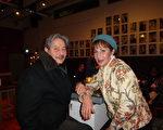 3月19日,神韵纽约艺术团在海牙的最后一场演出。Juan Lin与Helena Lin是一对有一半中国血统的兄妹。看完演出后,他们格外为自己的中国血统而自豪。(摄影:林达/大纪元)