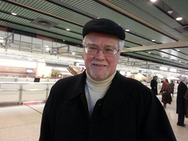 Willi Gerke很为国际会议中心迎来神韵而高兴。(摄影:安然/大纪元)