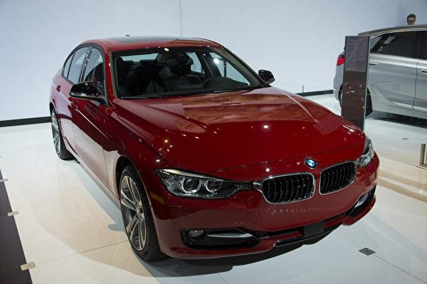 2013纽约国际车展 BMW 328d(摄影:戴兵/大纪元)