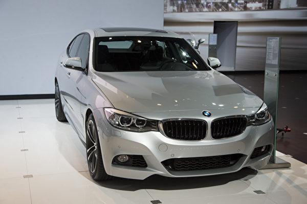 2013纽约国际车展 BMW GT 335i(摄影:戴兵/大纪元)