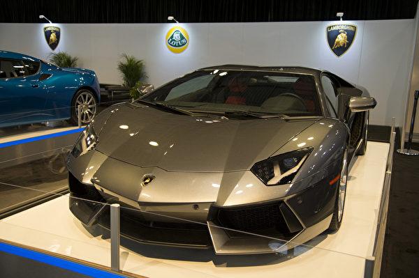 2013纽约国际车展 LAMBORGHINI(摄影:戴兵/大纪元)