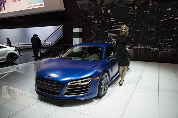 2013纽约国际车展 奥迪 Audi R8 V10plus(摄影:戴兵/大纪元)