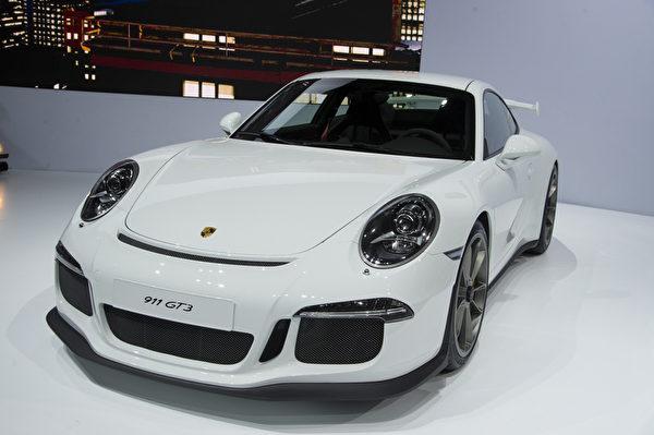 2013纽约国际车展 新款保时捷 911 GT3(摄影﹕戴兵/大纪元)