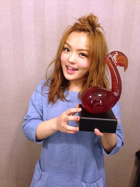 創作歌手徐佳瑩除拿下「年度創作歌手」,單曲《不難》並在「年度二十大金曲」之列。(圖/Hit Fm提供)