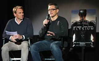 马特·达蒙(Matt Damon)(右)日前在德国出席《极乐世界》预告片首映会。(Sean Gallup/Getty Images)