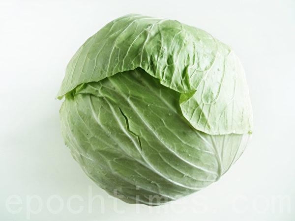 高丽菜1700公克。(摄影:林秀霞 / 大纪元)