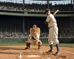講述美國職棒大聯盟史上的第一名黑人棒球手傑基·羅賓遜的影片《42號傳奇》,輕鬆摘下上週北美排行榜的冠軍。(圖/Courtesy of Warner Bros. Pictures)