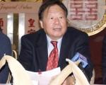 华埠街坊会主席李兆祥和联合提告中餐业者举行记者会见,庆祝初步胜利。图为资料照片。(摄影:周凤临/大纪元)