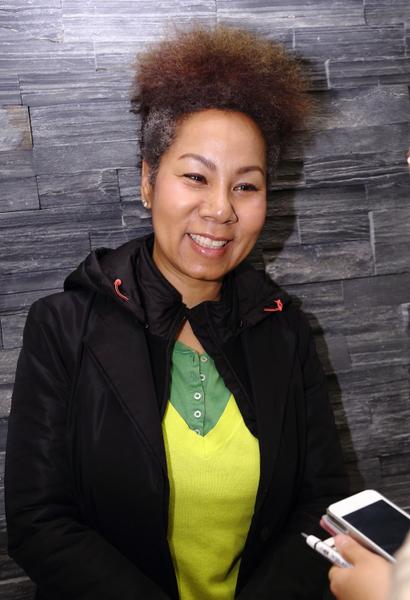 韩国最著名的女歌手仁顺伊(In ,Soon- Ee,本名金仁顺)观看了美国神韵巡回艺术团在韩国首尔祥明艺术中心的最后一场(第三场)演出。(摄影:全宇/大纪元)