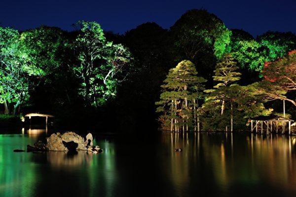 位于文京区的具有中国园林特色的六义园。(摄影:牛彬/大纪元)