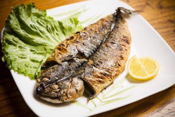 烤黑貂魚。(攝影:愛德華/大紀元)