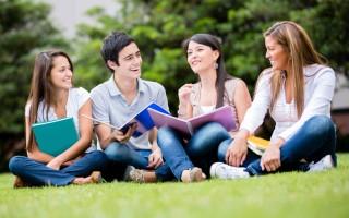 研究指出:一個人的成功,15%取決於其專業知識,85%則取決於自身的社交能力。掌握與人交往的技巧是好人緣與成功的一大關鍵要素。(Fotolia.com)