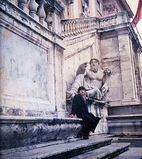 蔡明助在意大利时期的照片。(蔡明助提供)