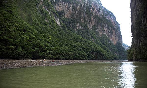 苏米德罗大峡谷的格里哈尔瓦河。(Yuri CORTEZ/AFP)