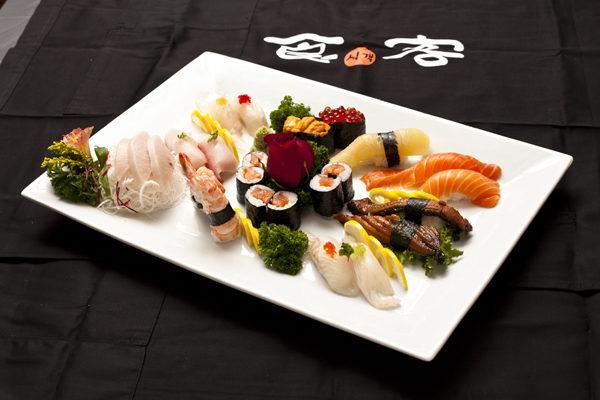 「海之故事」壽司店高級午餐(大紀元圖片)