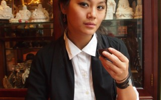 安幼年時在中國遭家庭遺棄,被孤兒院收容,後來為一個魁北克人家收養。今天的安已經26歲,4年前她開始了尋找自己族裔認同感的尋根過程。(攝影:Nathalie Dieul/大紀元)
