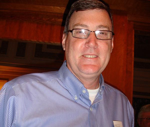 2013年5月9日纽约州府晚会,Armistead Caregiver Services公司总裁Tom Juers表示,观神韵令他想了解更多中国传统文化。(摄影﹕秦逍∕大纪元)