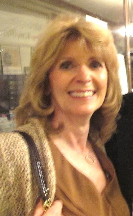"""高盛集团的下属公司的资深副总裁Linda Livingstone女士赞叹神韵﹕""""演出非常壮丽辉煌!""""(摄影:杜国辉/大纪元)"""