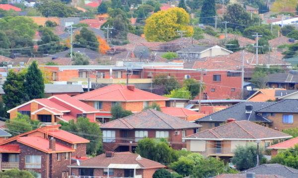 澳洲维省政府计划严查逃避土地税的投资房业主。(摄影:陈明/大纪元)
