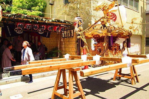 三吨的凤辇神舆。(容乃加/大纪元)