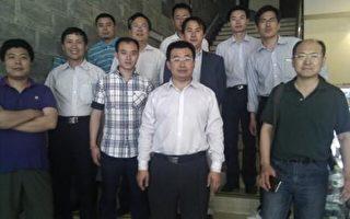中國最勇敢的律師們,左至右:溫海波、唐吉田、王成、唐天昊、梁小軍、江天勇、郭海躍、李和平、張科科、藺其磊、楊慧文。(志願者提供)
