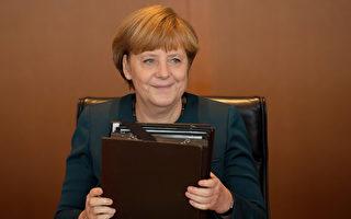 富比世杂志22日公布全球年度最具影响力的百位女性,德国总理梅克尔排名第一(如图),巴西总统罗赛芙第二。(JOHANNES EISELE/AFP)