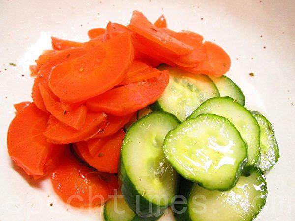 壽司醋紅綠沙拉(攝影:家和/大紀元)