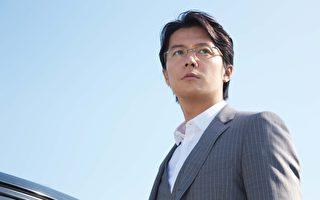 福山雅治饰演汤川学教授。(图/威视提供)