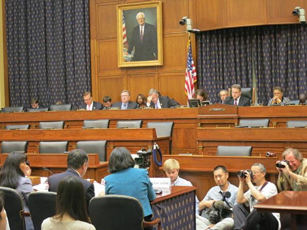 美国国会于美东时间6月3日下午3时举行关于六四屠杀的听证会。(摄影:林宇/大纪元)