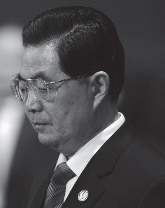 胡錦濤「18大」開幕式上亮出了他的毛左立場,讓人看到,重慶的唱紅打黑,假如沒有波及到胡錦濤的權力,胡是暗中允許的。(AFP)