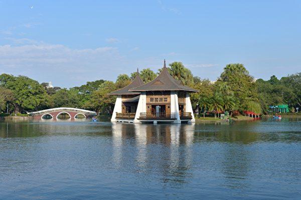 台中公園湖心亭。(攝影:蘇玉芬/大紀元)