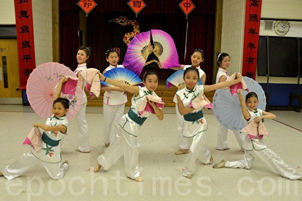 华美联谊中心舞蹈队将在中国节表演(摄影:良克霖/大纪元)