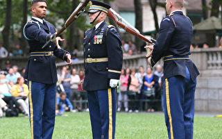 陸軍禮賓隊操槍表演的情形。 (攝影:杜國輝/大紀元)