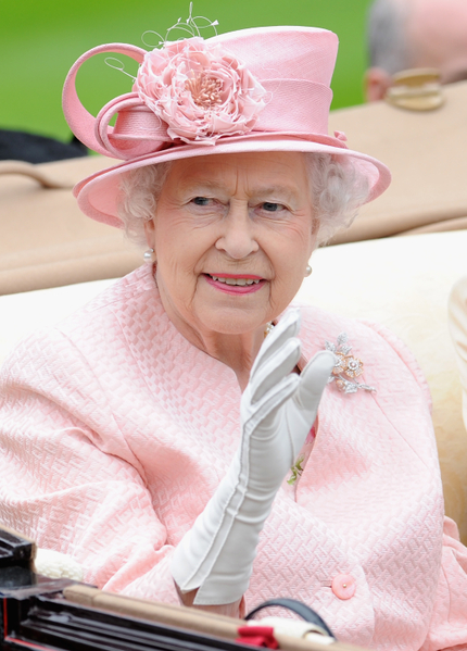 2013年6月18日,英国女王伊丽莎白二世出席皇家爱斯科赛马会。(Stuart C. Wilson/Getty Images for Ascot Racecourse)