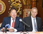 6月26日,加州禁鱼翅法AB 376 7月1日正式生效前夕,华埠街坊会会长李兆祥(左)表示,一定继续争取华裔权利。右为律师布利尔。(摄影:周凤临/大纪元)